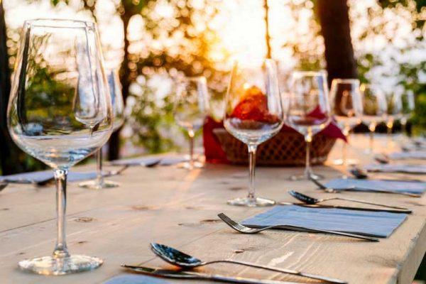 teamevent-firmenjubilaeum-corporate resort collection-dinner im freien